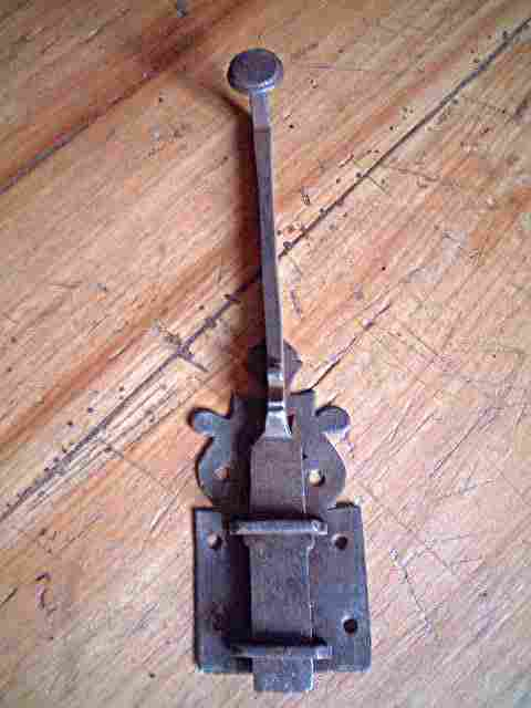 Ba onnette de porte ancienne en fer forg d cor fleur de lise antiquites brocante objets fer for Porte en fer forge ancienne