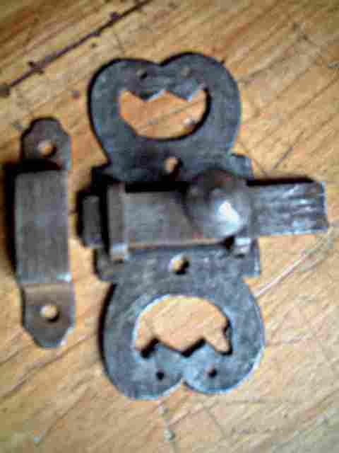 ancien verrou en fer forg d cor rustique antiquites brocante objets fer forg. Black Bedroom Furniture Sets. Home Design Ideas