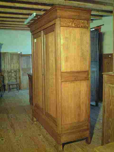 armoire l p en ch ne ancienne tiroir bas en fa ade antiquites brocante meubles anciens. Black Bedroom Furniture Sets. Home Design Ideas