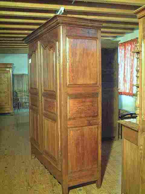 armoire lxv noyer et merisier rustique ancienne. Black Bedroom Furniture Sets. Home Design Ideas