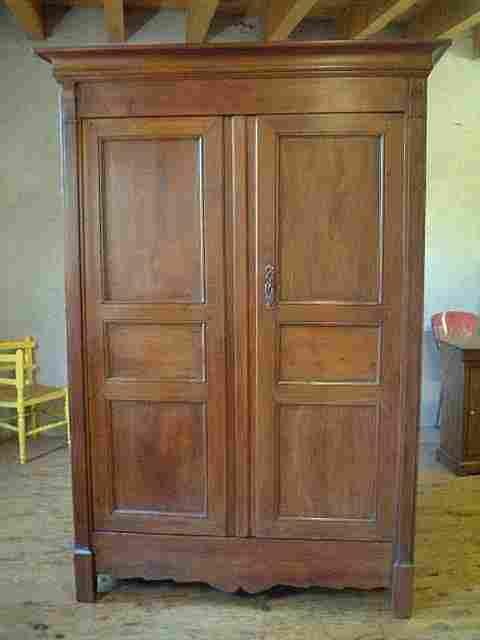 armoire directoire ancienne merisier chataignier antiquites brocante de la tour meubles anciens. Black Bedroom Furniture Sets. Home Design Ideas
