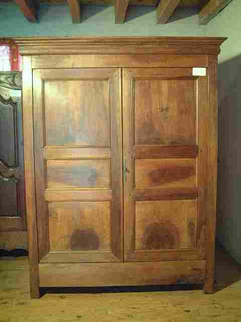 armoire directoire lp en noyer ancienne 3 tag res antiquites brocante de la tour meubles. Black Bedroom Furniture Sets. Home Design Ideas
