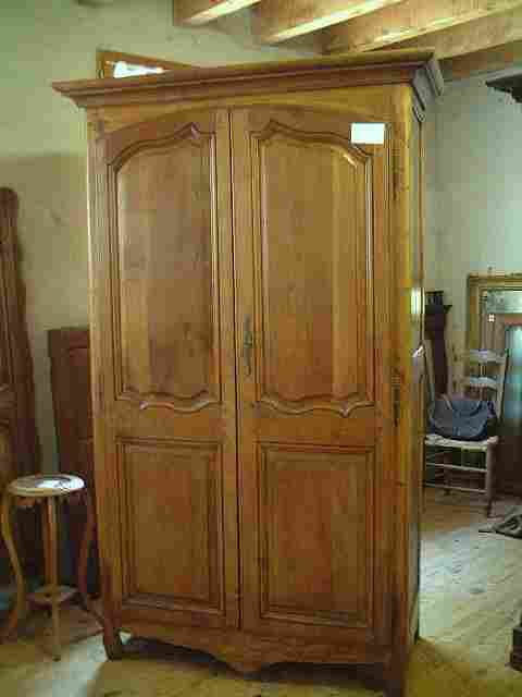armoire merisier ch ne et h tre l xv rustique antiquites brocante de la tour meubles anciens. Black Bedroom Furniture Sets. Home Design Ideas