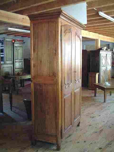 armoire merisier ch ne et h tre l xv rustique antiquites brocante de la tour meubles anciens. Black Bedroom Furniture Sets. Home Design Ideas