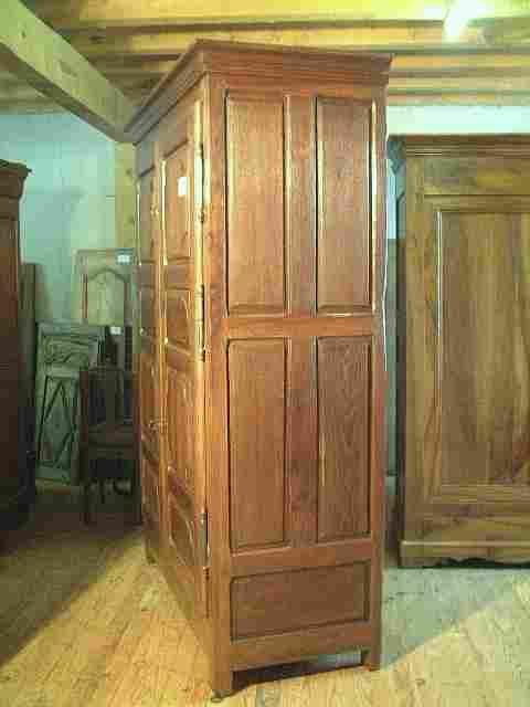 armoire l xiii l xiv en noyer et ch taignier ancienne. Black Bedroom Furniture Sets. Home Design Ideas