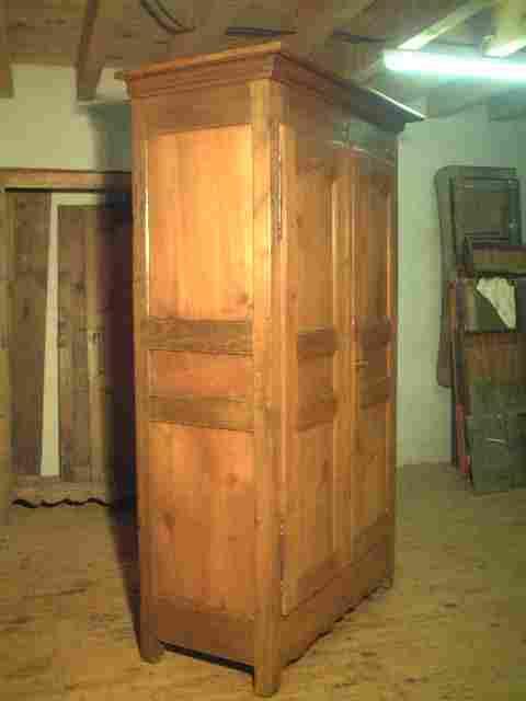 armoire l xv ancienne rustique en ch ne et merisier antiquites brocante de la tour meubles. Black Bedroom Furniture Sets. Home Design Ideas