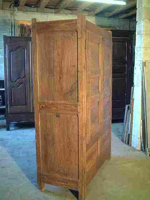 armoire coffre rustique en ch ne campagnarde ancienne antiquites brocante meubles anciens. Black Bedroom Furniture Sets. Home Design Ideas