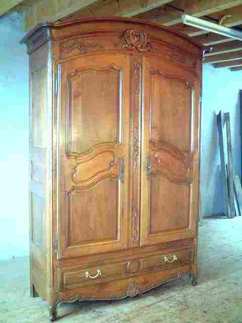 armoire ancienne de mari e fleurie l xv merisier et ch ne. Black Bedroom Furniture Sets. Home Design Ideas