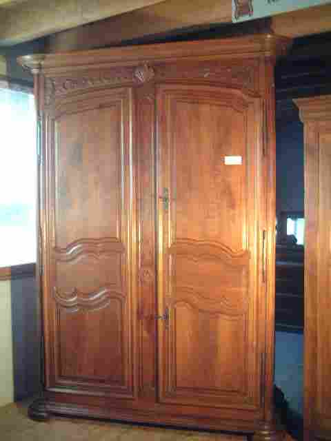 armoire ancienne de style louis xiv louis xv poque 18 m antiquites brocante de la tour. Black Bedroom Furniture Sets. Home Design Ideas