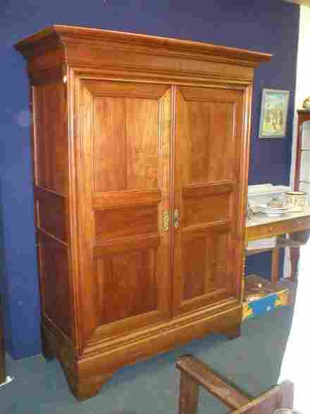armoire ancienne en merisier louis philippe tiroirs. Black Bedroom Furniture Sets. Home Design Ideas
