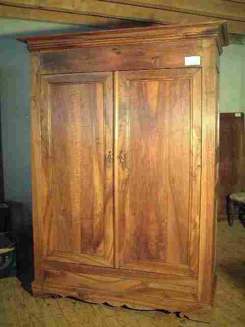 armoire penderie directoire ancienne en noyer 3 tiroirs. Black Bedroom Furniture Sets. Home Design Ideas