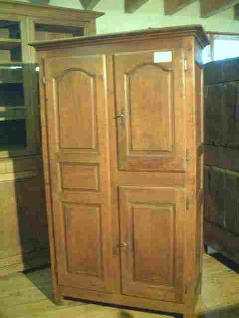 armoires l xiv ancienne rustique merisier et ch taignier antiquites brocante de la tour. Black Bedroom Furniture Sets. Home Design Ideas