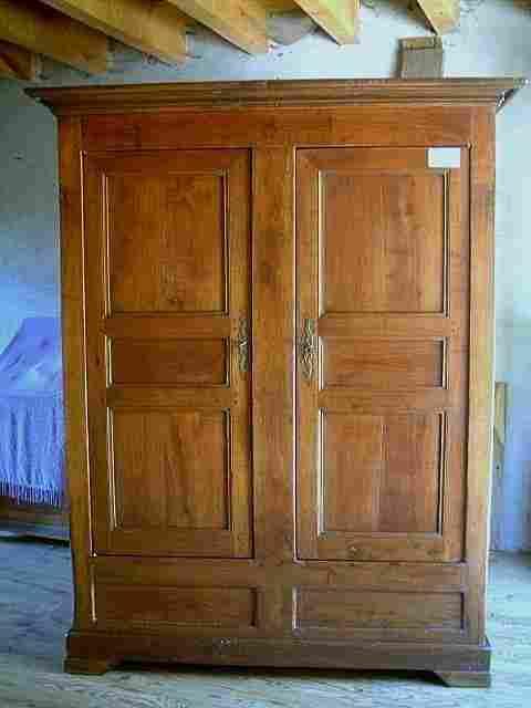 armoires coffres ancienne en merisier et ch taignier antiquites brocante de la tour meubles. Black Bedroom Furniture Sets. Home Design Ideas