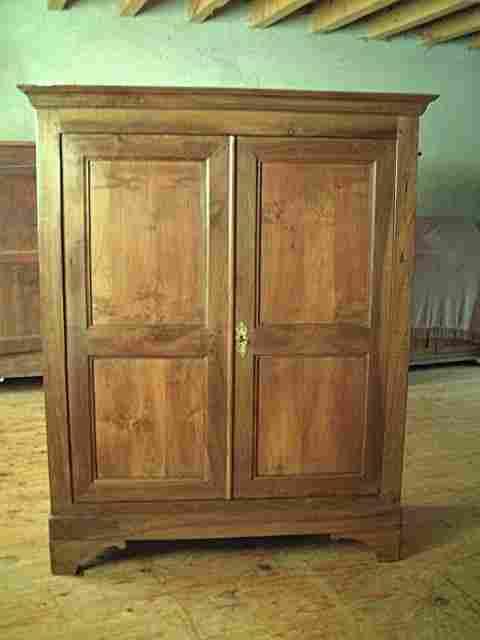 armoirette lp en noyer ancienne antiquites brocante de la. Black Bedroom Furniture Sets. Home Design Ideas
