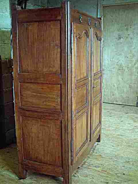 Armoirette en merisier et ch ne antiquites brocante de la for Meuble ancien restaure