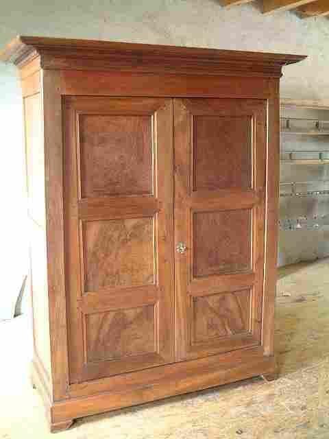 armoirette ancienne directoire noyer et merisier antiquites brocante de la tour meubles anciens. Black Bedroom Furniture Sets. Home Design Ideas