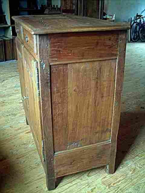 bahut bas rustique ancien en ch ne chataignier et. Black Bedroom Furniture Sets. Home Design Ideas