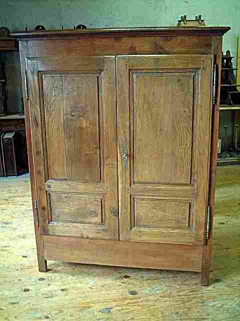 bahut haut ancien en ch ne merisier et chataignier antiquites brocante meubles anciens. Black Bedroom Furniture Sets. Home Design Ideas