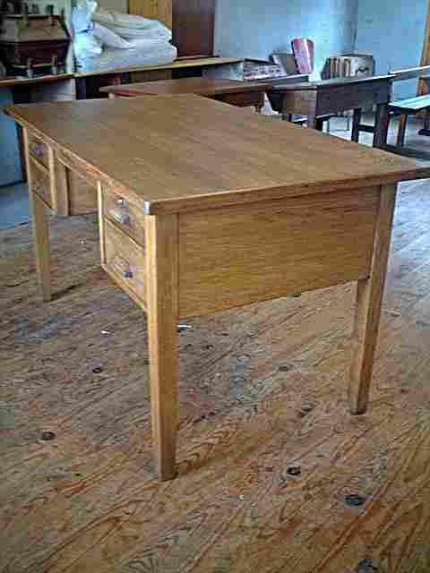 Bureau d 39 administration 1950 en ch ne 3 tiroirs antiquites brocante de la tour meubles - Meuble ancien restaure ...