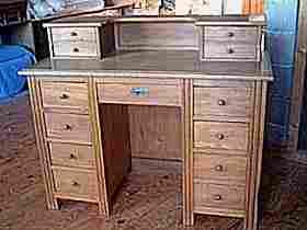 Revoir nos meubles anciens tables et bureaux deja vendus for Bureau 8 tiroirs