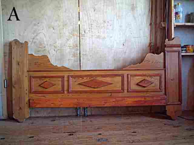 deux fa ades de lit clos ou d 39 alcove en pin et merisier d cors losanges antiquites brocante. Black Bedroom Furniture Sets. Home Design Ideas