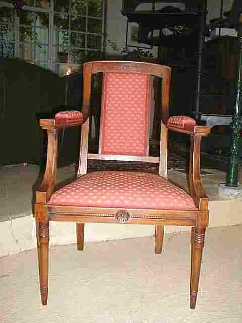 Fauteuil style directoire ancien entierement restaur bois cir antiquites brocante meubles - Meuble ancien restaure ...
