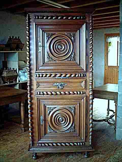 homme debout en noyer authentique d 39 poque 18 me ancien style vend en antiquites brocante de. Black Bedroom Furniture Sets. Home Design Ideas
