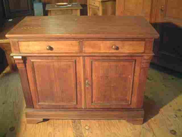 bahut bas directoire ancien en acajou et noyer antiquites brocante de la tour meubles anciens. Black Bedroom Furniture Sets. Home Design Ideas