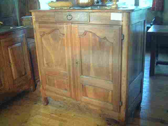 bahut haut lxv noyer et merisier ancien antiquites brocante de la tour meubles anciens. Black Bedroom Furniture Sets. Home Design Ideas