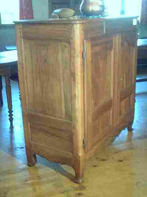 bahut haut lxv noyer et merisier ancien antiquites. Black Bedroom Furniture Sets. Home Design Ideas