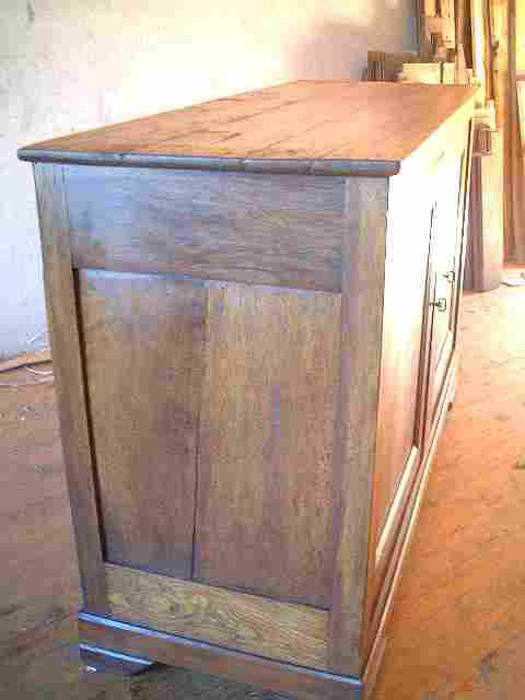 bahut bas en noyer et tilleul ancien et rustique antiquites brocante de la tour meubles anciens. Black Bedroom Furniture Sets. Home Design Ideas
