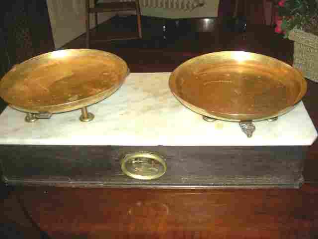 balan e de boulanger ancienne avec ses plateaux en cuivre antiquites brocante de la tour. Black Bedroom Furniture Sets. Home Design Ideas