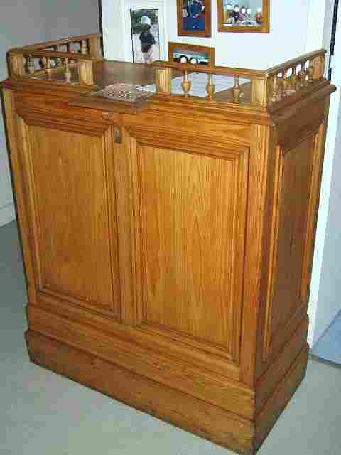 caisse ancienne de mercerie en pin des annees 1900 antiquites brocante de la tour meubles. Black Bedroom Furniture Sets. Home Design Ideas