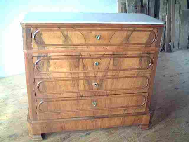 commode lp en noyer dessus marbre blanc ancienne antiquites brocante de la tour meubles anciens. Black Bedroom Furniture Sets. Home Design Ideas