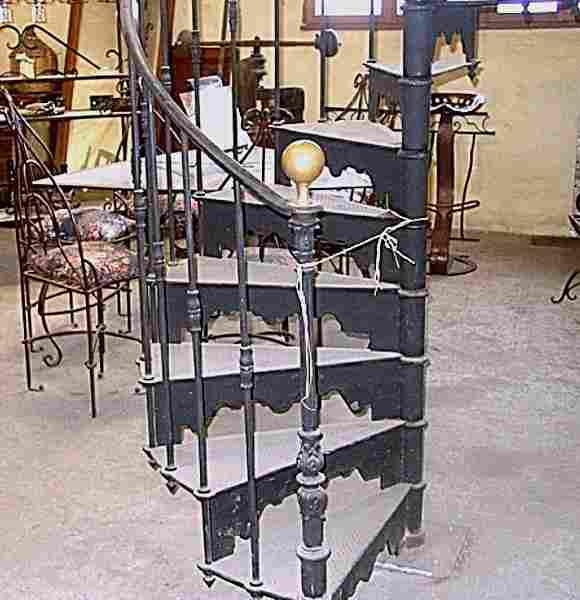 escalier ancien en colima on 1930 en acier plomb et fonte antiquites brocante de la tour. Black Bedroom Furniture Sets. Home Design Ideas