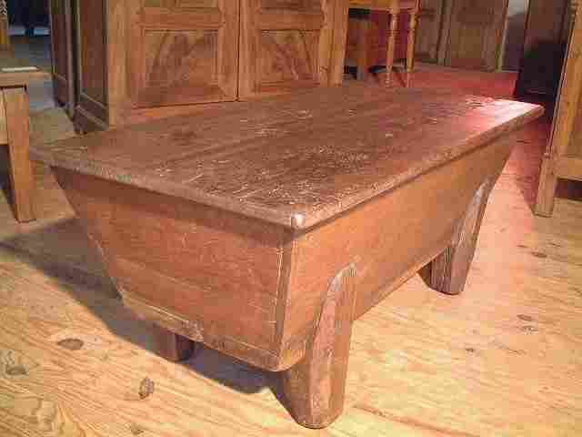 petite maie ancienne en ch taignier rustique antiquites brocante de la tour meubles anciens. Black Bedroom Furniture Sets. Home Design Ideas