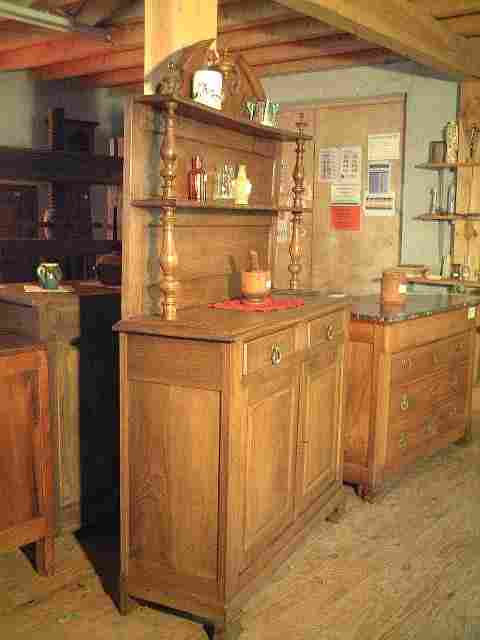 buffet saint hubert philippard ancien en ch taignier antiquites brocante de la tour meubles. Black Bedroom Furniture Sets. Home Design Ideas