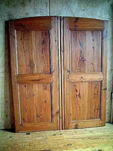 une paire de portes ancienne de la loz re en pin antiquites brocante de la tour meubles. Black Bedroom Furniture Sets. Home Design Ideas