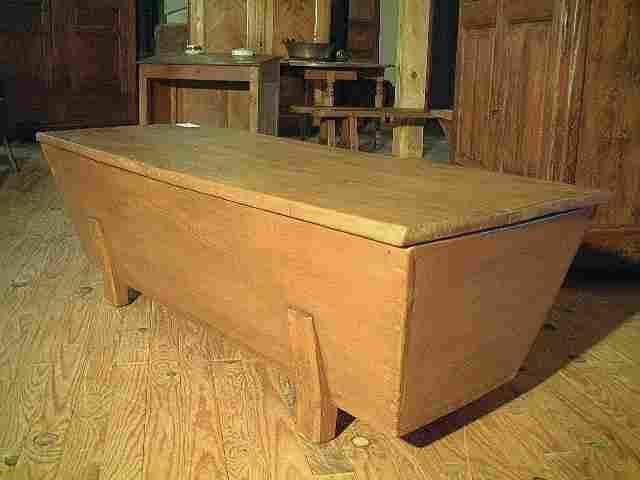 grand p trin ancien en tilleul antiquites brocante meubles anciens. Black Bedroom Furniture Sets. Home Design Ideas