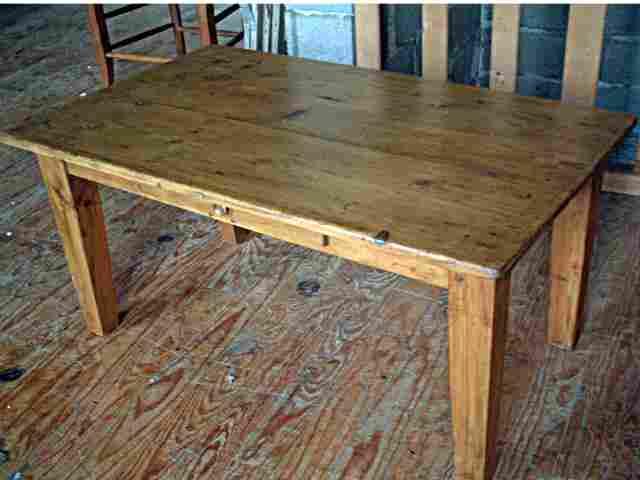 Table basse ancienne en pin tiroir en fa ade antiquites for Meubles anciens en pin