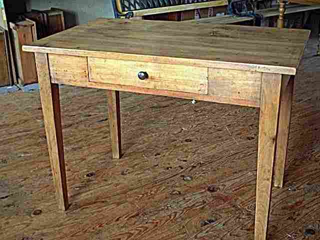 Table basse ancienne avec tiroir for Table bureau