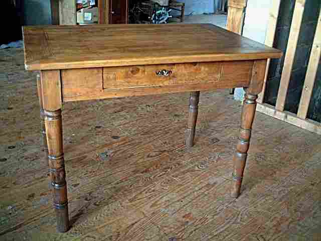 Table bureau en fr ne et ormeau pieds tourn s antiquites for Table bureau