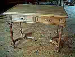 revoir nos meubles anciens tables et bureaux deja vendus photos prix et descriptifs. Black Bedroom Furniture Sets. Home Design Ideas