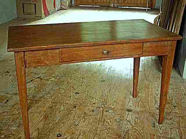 table bureau rustique en pin et fr ne tiroir en fa ade meubles anciens photos tables bureau. Black Bedroom Furniture Sets. Home Design Ideas