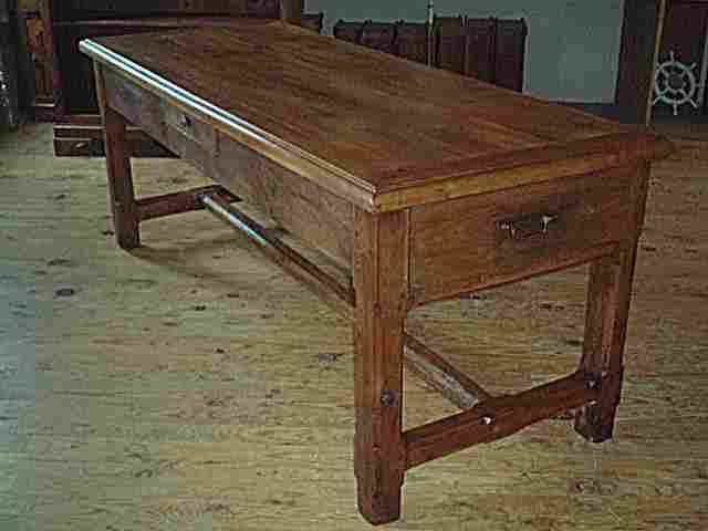 Table de ferme ancienne for Table ancienne de ferme