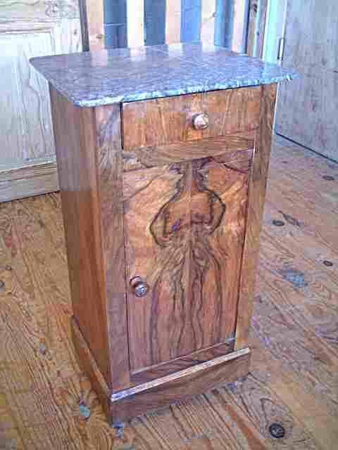 Table de nuit placage noyer dessus marbre gris antiquites brocante de la tour meubles anciens - Table pour brocante ...
