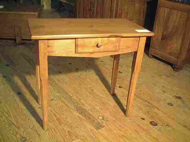 Table bureau ancienne en pin antiquites brocante for Bureau en pin