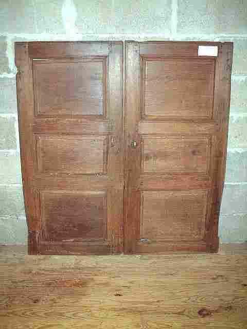 Une paire de portes ancienne en noyer antiquites brocante for Meuble ancien une porte