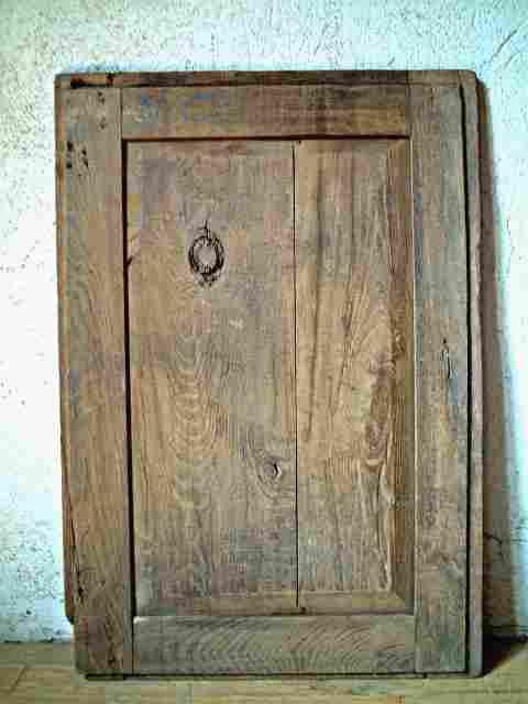 Une porte restaurer en chataignier rustique antiquites for Meuble ancien une porte