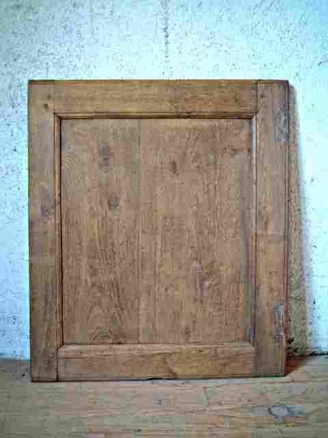 une porte simple en chataignier rustique bois de belle
